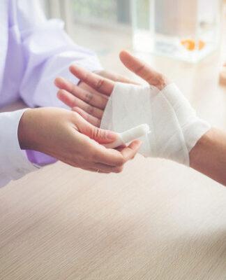 Pomoc chirurga ręki